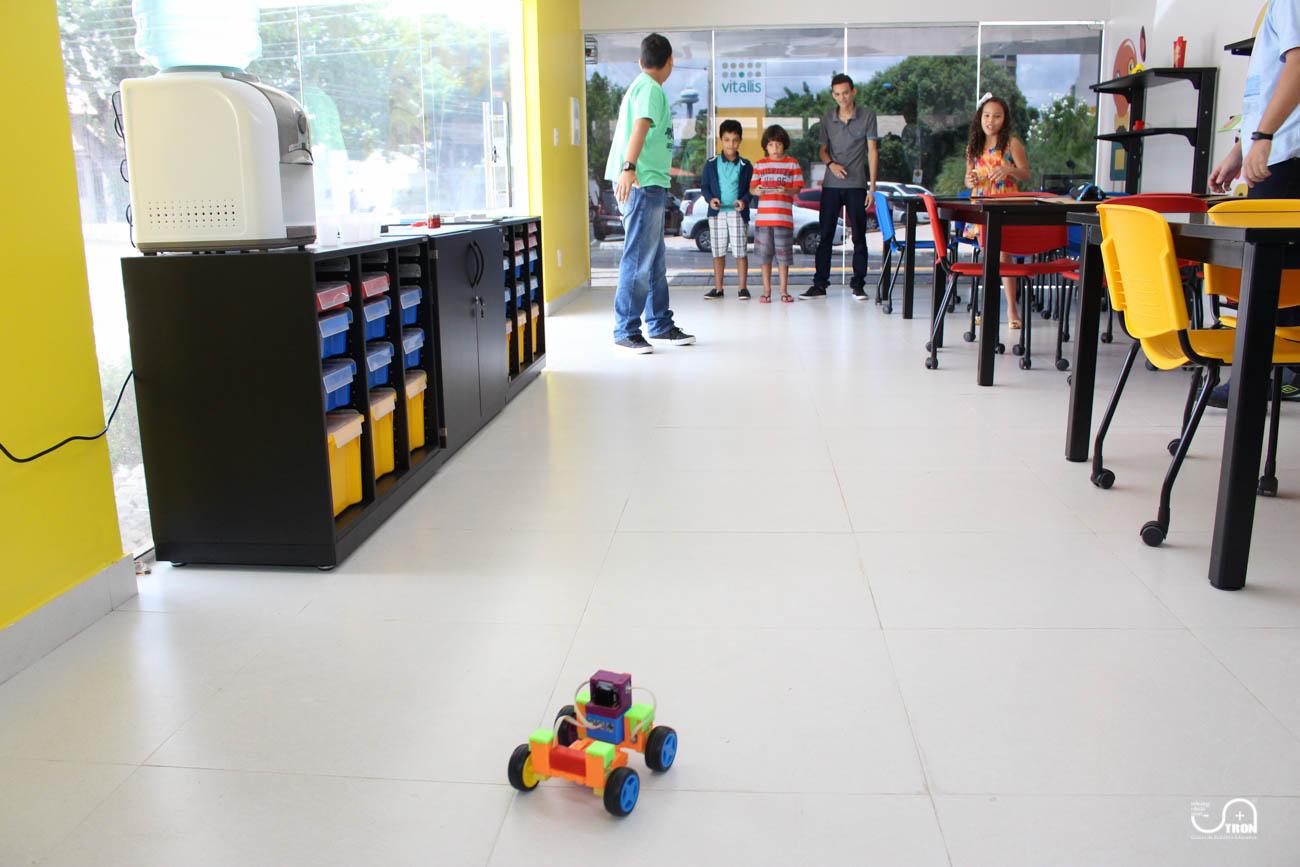 TRON_Ensino_de_Robotica_Educativa_Curso_de_Ferias_Teresina_Piauí-17